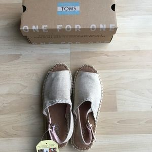 df8d382f6d72 Toms Shoes - Linen Women s Clara Espadrilles (Natural Metallic)